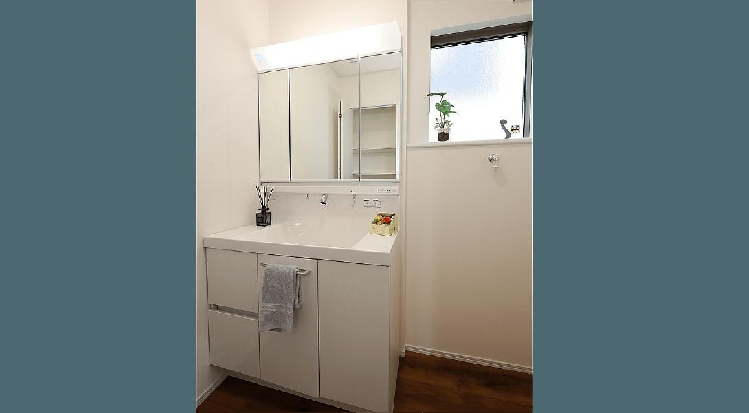 【当社施工例・洗面室】間取りや仕様など実際と異なる場合がございます。