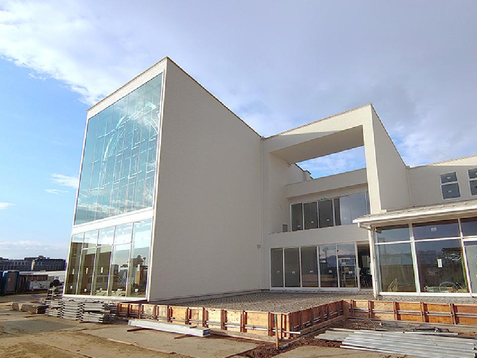 【豊洲ぐるり公園パークレストラン】大ガラス取り付け工事と外部足場の解体
