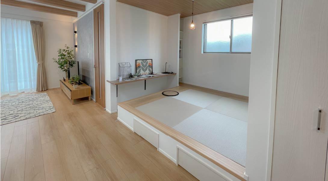 【現地モデルハウス】小上がりのタタミコーナーやスタディコーナー、高い天井等見どころ満載のモデルハウス