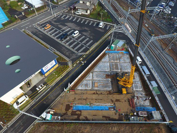 ↑このようになります。また工事に使用する重機は直接建物に影響が出ないように設置位置にも配慮しております。